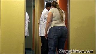 Ogromny Anal Milf Satisfies Hostel Stalker