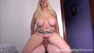 Porn Casting mit Musa Libertina - Junger riesiger Penis mit 2 Cumshots überprüft