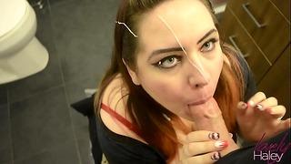 Lovelyhaley dostaje wytrysk na twarz na imprezie przez nieznajomego